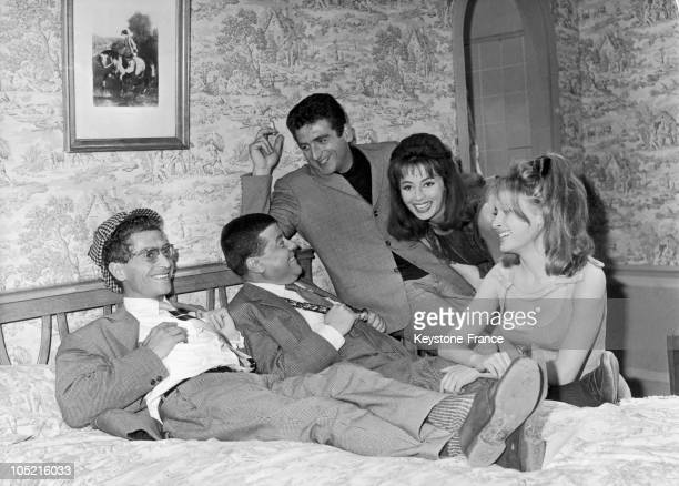 The French Actors Darry Cowl Francis Blanche Mario David Claudine Coster And Valerie Lagrange On The Shooting Of The Film Les Bricoleurs By Jean...
