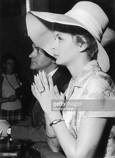 The French Announcer Jacqueline Huet Spouses The Doctor Fieschi On July 5 In 1960 In Neuilly