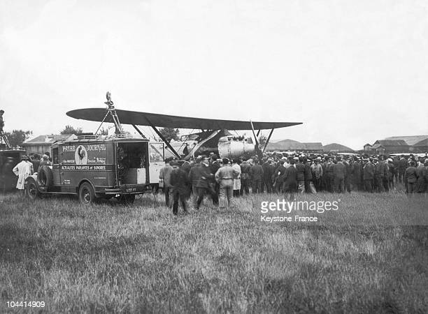 The French aviators Dieudonne COSTE and Maurice BELLONTE's BREGUET 19 airplane named POINT D'INTERROGATION preparing for takeoff at the Bourget's...