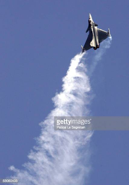The French fighter plane Rafale is seen during a demonstration flight at the 46th Paris Air Show June 13 2005 in the Paris suburb of Le Bourget...