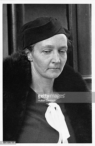 The French physicist Irene JoliotCurie daughter of Pierre and Marie Curie She shared the 1935 Nobel prize for chemistry with her husband Frdric...