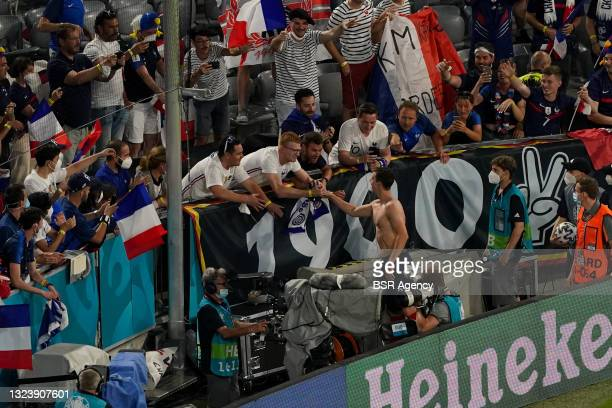 The French players thanking the fans during the UEFA Euro 2020 match between France and Germany at Allianz Arena on June 15, 2021 in Munich, Germany