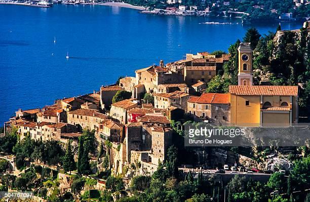 the french riviera, eze village - eze village photos et images de collection