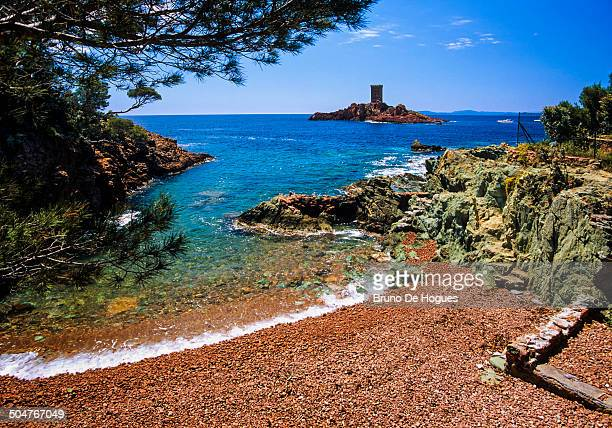 the french riviera, gold island - var photos et images de collection