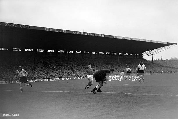 The French soccer national team face his German counterpart on October 05 1952 at Colombes near Paris AFP PHOTO
