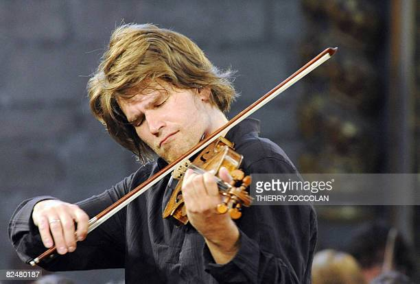 The French Youth Orchestra's violinist Nicolas Dautricourt leaded by American conductor Dennis Russel Davies performs musics of Czech composer...