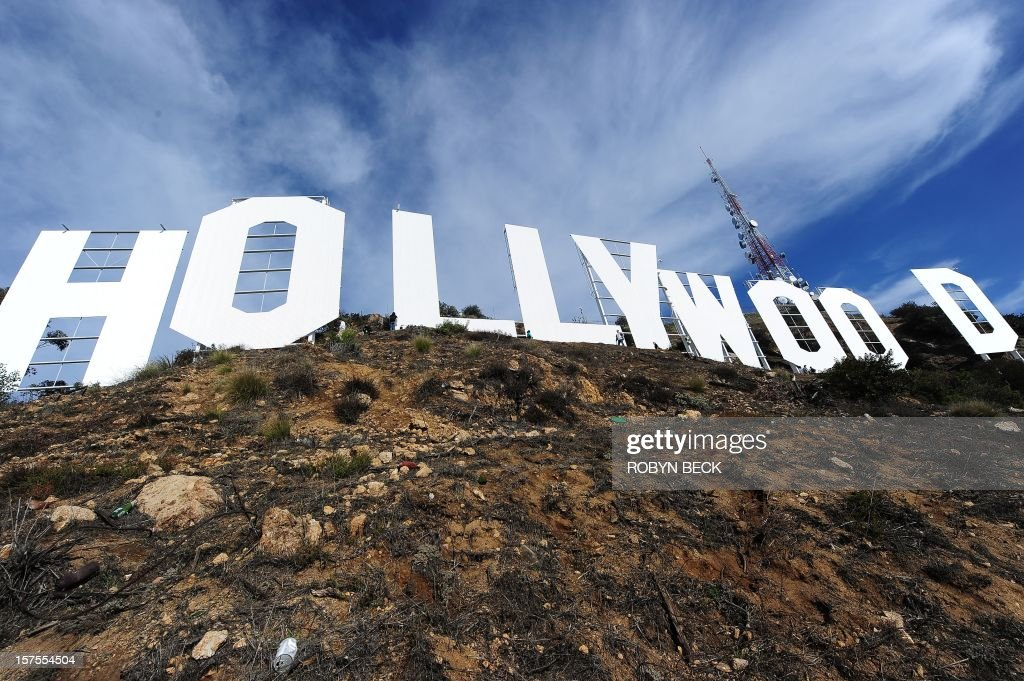 US-ENTERTAINMENT-HOLLYWOOD SIGN-MAKEOVER : News Photo