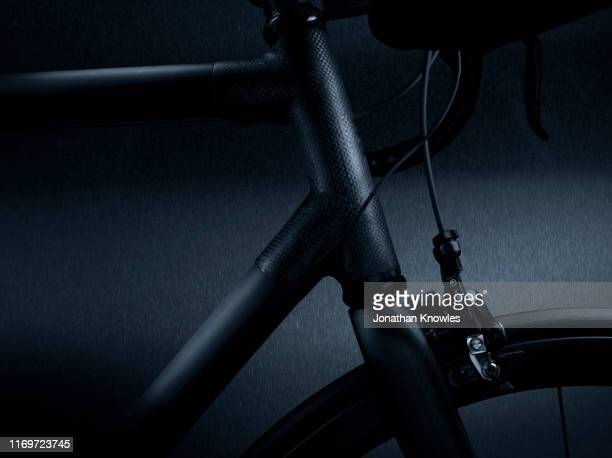 the front of a bike - studio shot stock pictures, royalty-free photos & images