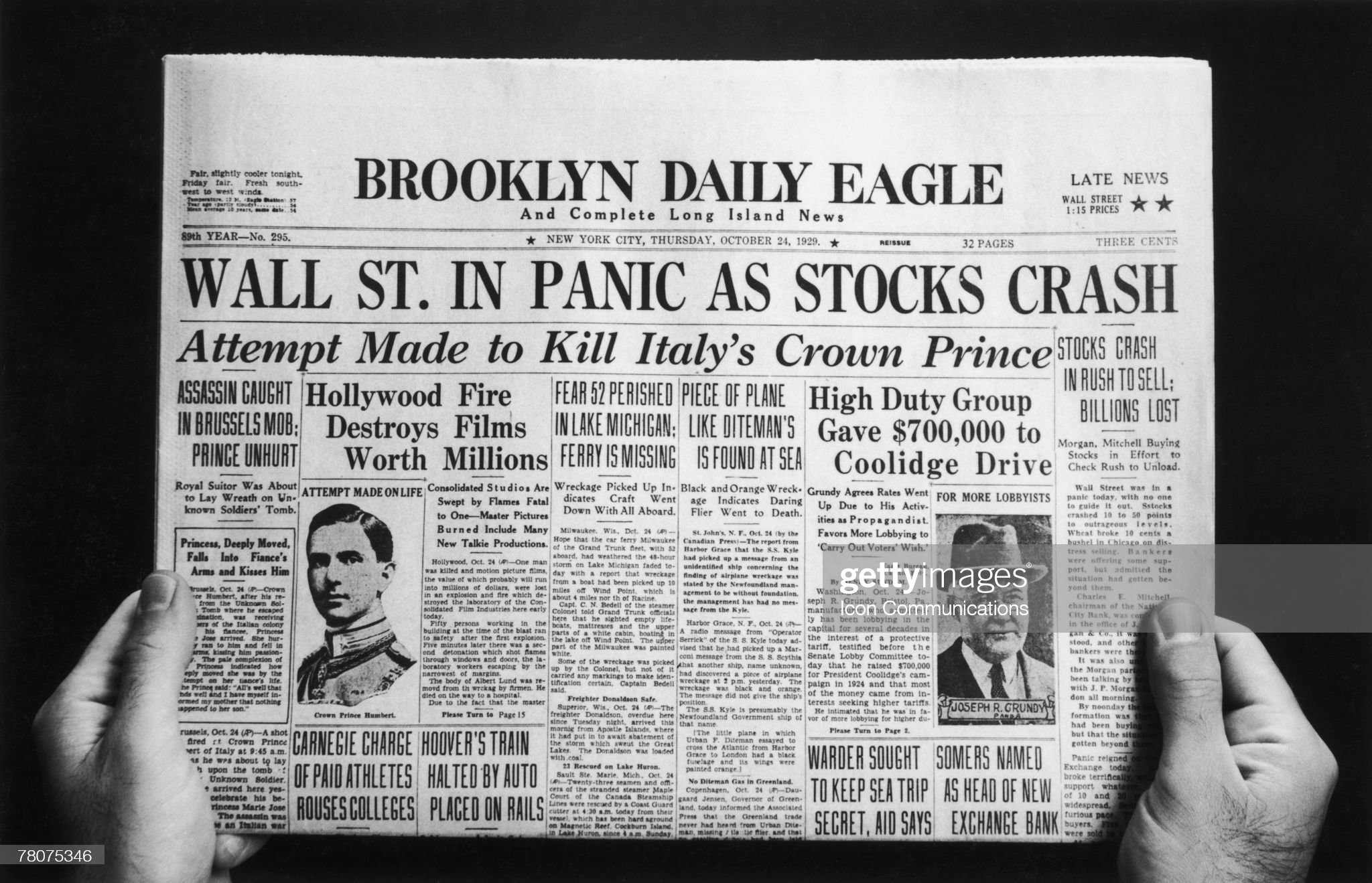 Wall Street Crash : News Photo
