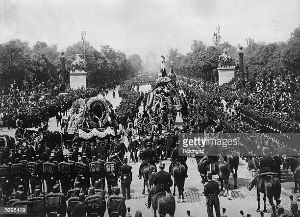 The funeral of French poet novelist and playwright Victor Marie Hugo in Paris