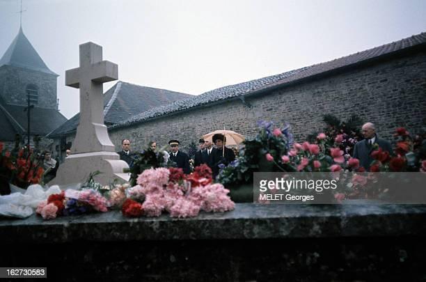 The Funeral Of General Charles De Gaulle ColombeylesdeuxEglises 12 novembre 1970 Lors des obsèques du Général DE GAULLE Mme Claude POMPIDOU se...