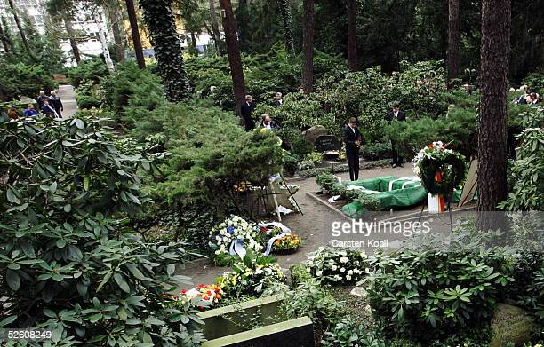 The funeral of Harald Juhnke takes place in Waldfriedhof Dahlem cemetery April 9 2005 in Berlin Germany Juhnke died the week before due to...