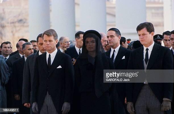 The Funeral Of John Fitzgerald Kennedy Washington 23 novembre 1963 Les obsèques du président John Fitzgerald KENNEDY Jackie KENNEDY portant le deuil...