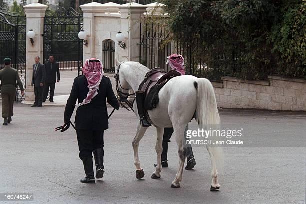 The Funeral Of King Hussein Of Jordan In Amman A Amman en Jordanie le 7 février 1999 Lors des obsèques du roi HUSSEIN de Jordanie le cheval du roi...