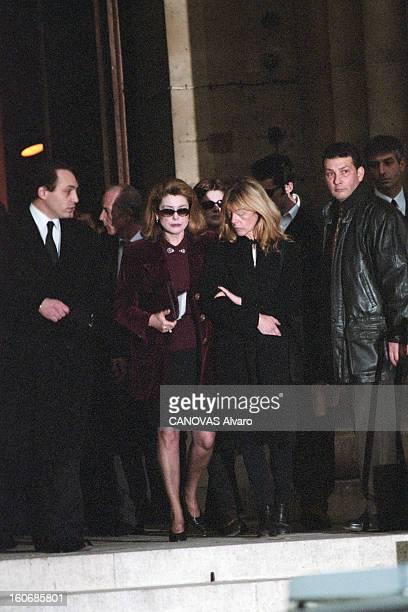 The Funeral Of Marcello Mastroianni Paris 20 décembre 1996 A l'occasion des obsèques de Marcello MASTROIANNI lors de l'hommage rendu à l'acteur en...