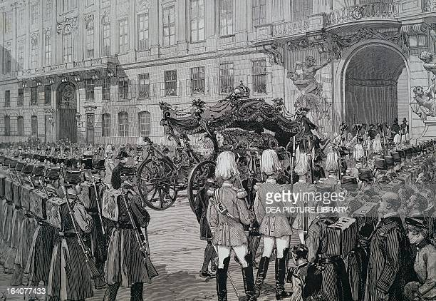 The funeral of Rudolf Crown Prince of Austria the funeral procession leaving the inner courtyard of the Hofburg Palace to travel to the Capuchin...