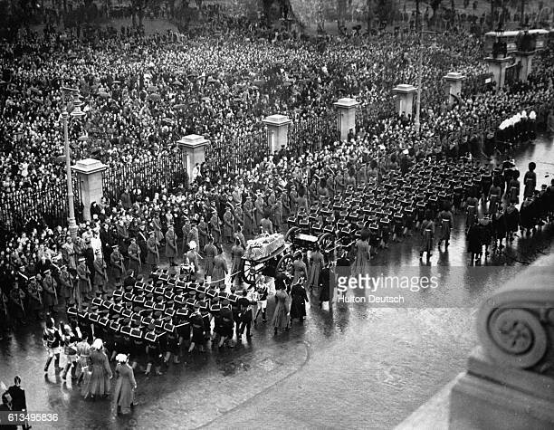 The funeral procession of the late King George V through London