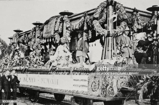 The funeral wagon carrying the Unknown Soldier's body from Aquileia to Rome Italy from L'Illustrazione Italiana Year XLVIII No 45 November 6 1922