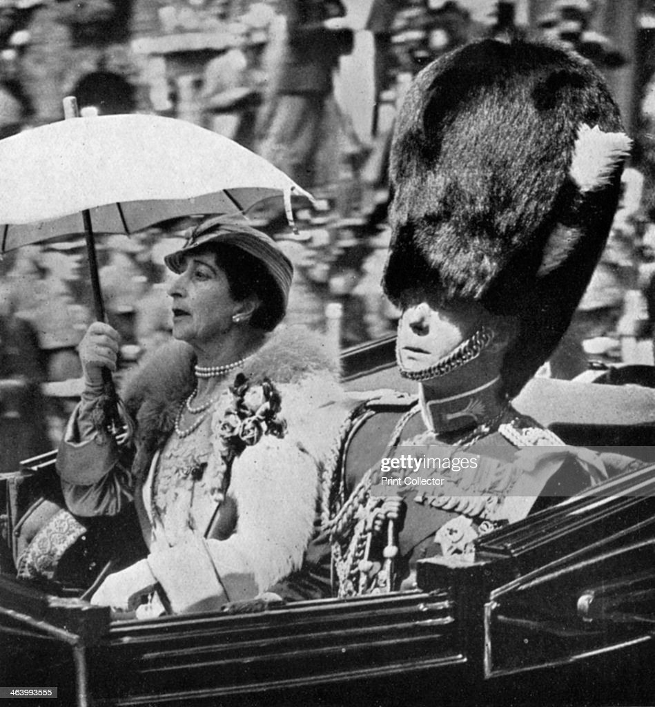 The future King Edward VII (1894-1972) and Queen Maud of Norway (1869-1938), 1935. : News Photo