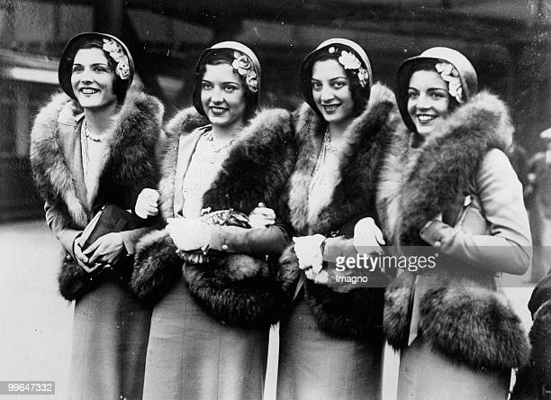The Gala Sisters quadruplets from Broadway touring through Europe with their dance show Photgraphy Around 1930 Photo by Austrian Archives...