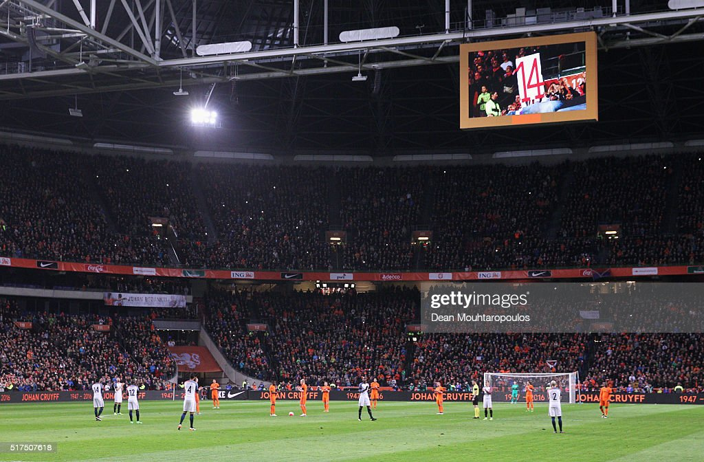 The game is stopped in the 14th minute for a minute's silence to remember Johan Cruyff of Netherlands during the International Friendly match between Netherlands and France at Amsterdam Arena on March 25, 2016 in Amsterdam, Netherlands.
