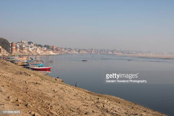 the ganges river, and local coastline - uttar pradesh stock pictures, royalty-free photos & images