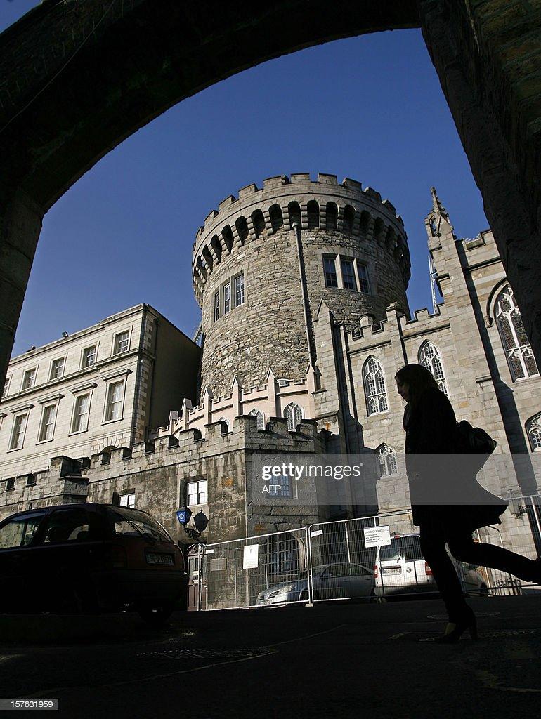 IRELAND-BRITAIN-HISTORY-CRIME-JEWELS... : News Photo