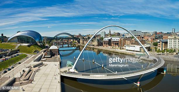 the gateshead millennium bridge - newcastle upon tyne stock pictures, royalty-free photos & images