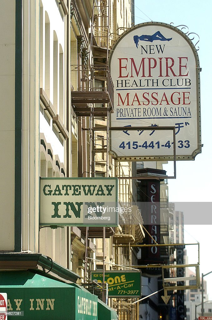 The Gateway Inn sits in the Tenderloin neighborhood of San F : News Photo
