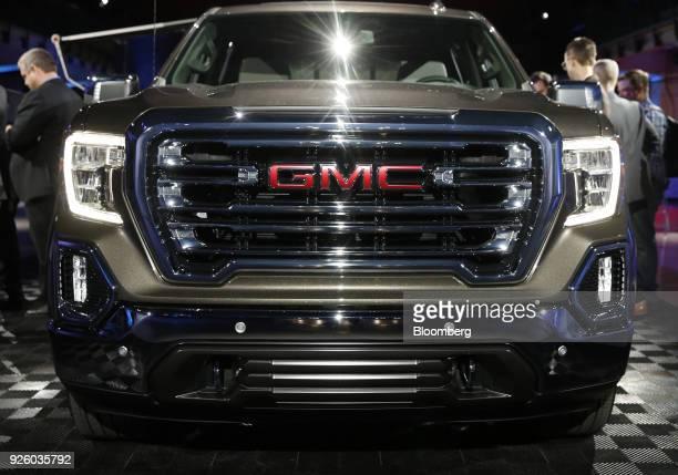 General Motors Co Reveals The 2018 Gmc Sierra 1500 Pickup Truck