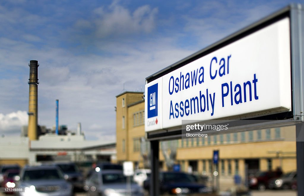 General Views of General Motors Co. Oshawa Assembly Plant : News Photo