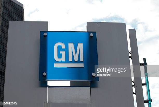 The General Motors Co logo is seen at their world headquarters in Detroit Michigan US on Monday Nov 15 2010 General Motors' initial public offering...