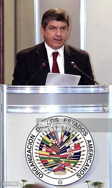 The General Secretary of the OEA Cesar Gaviria gives his inaugural speech 10 September 2001 in Lima Peru El seceretario general de la OEA Cesar...