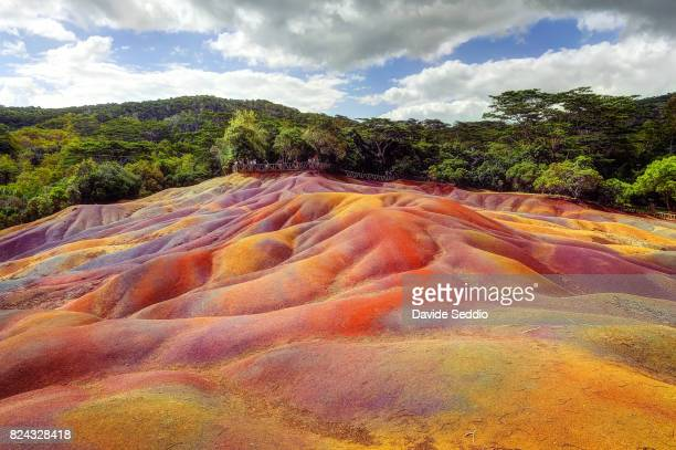 "the geological formation ""seven coloured earths"" - insel mauritius stock-fotos und bilder"
