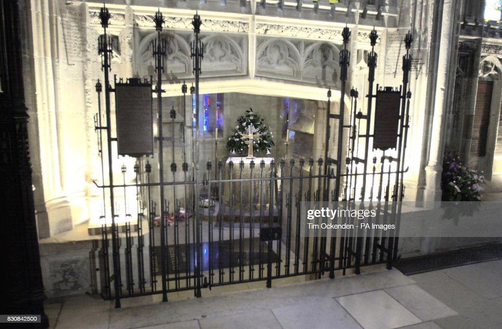 Queen Mother Vault : Nieuwsfoto's
