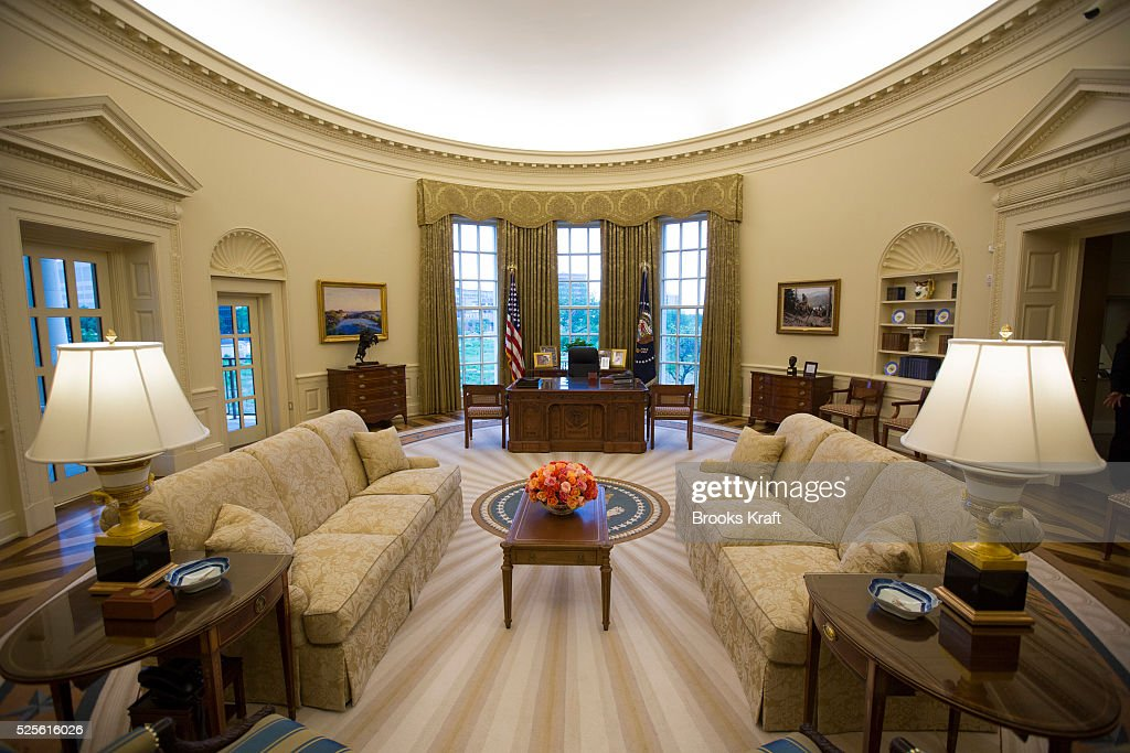 george bush oval office. The George W. Bush Presidential Center Includes A Complete Replica Of White House Oval Office E