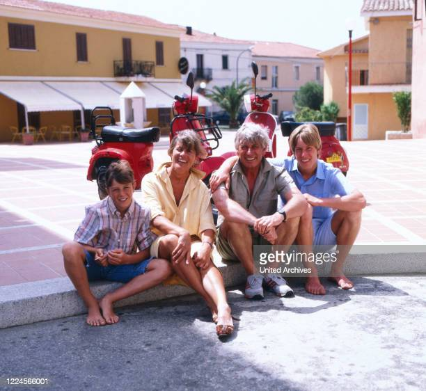 The german actor Siegfried Rauch together with his wife and kids on a tour with motorbikes, probably Mediterranean Sea 1980.