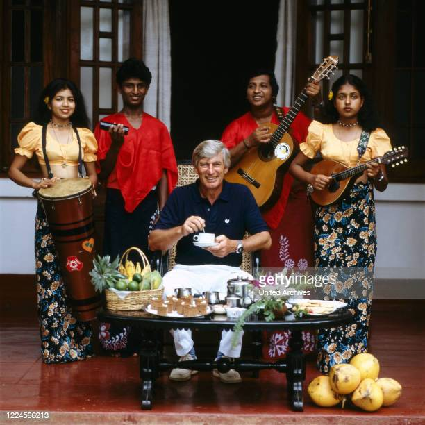 The german actor Siegfried Rauch with a local band, Sri Lanka 1986.