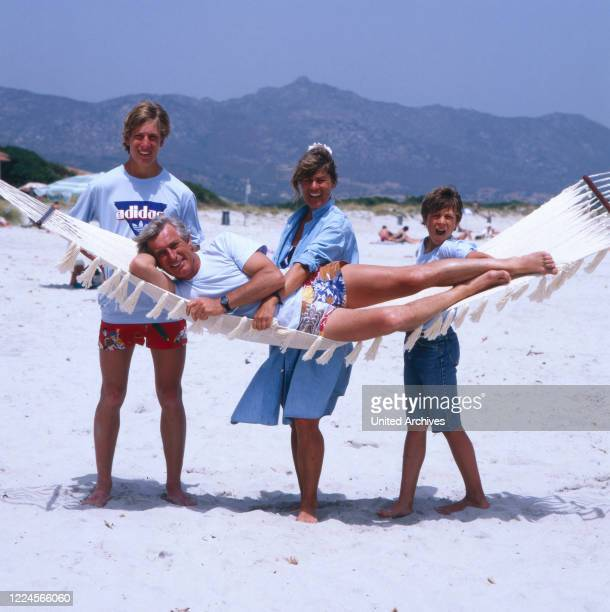 The german actor Siegfried Rauch with his family at the beach, probably Mediterranean 1980.