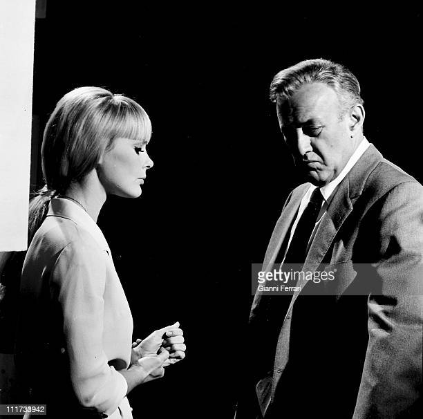 The german actress Elke Sommer and Lee J. Cobb during the filming of movie' Las Vegas, 500 millones', dirercted by Antonio Isasi-Isasmendi Almeria,...