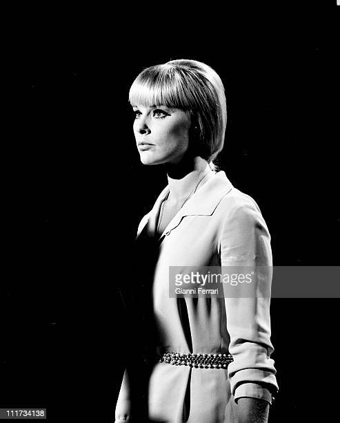 The german actress Elke Sommer during the filming of movie'Las Vegas, 500 millones', dirercted by Antonio Isasi-Isasmendi Almeria, Spain. .