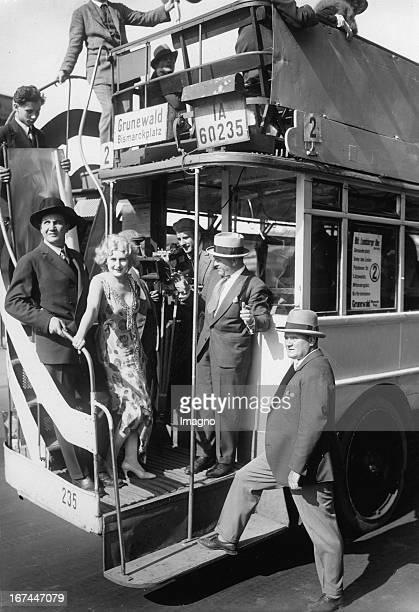 The German actress Lee Parry during the shooting for the movie AUTOBUS 2 with a bus from line Nr. 2. Berlin. 1929. Photograph. Die deutsche...
