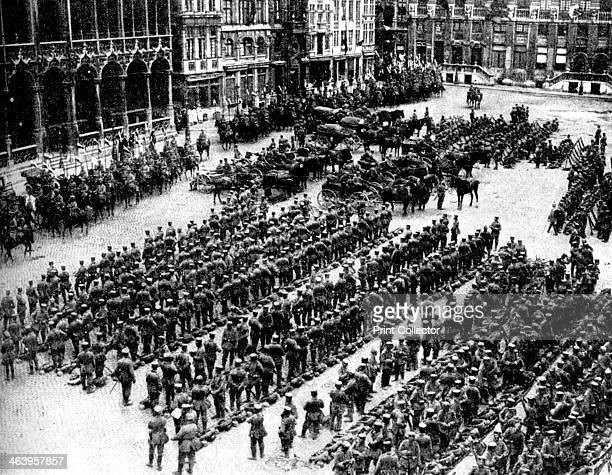 The German army in Brussels First World War 1914 Infantry and artillery in the Grand Place Illustration from The Great War by HW Wilson Vol I