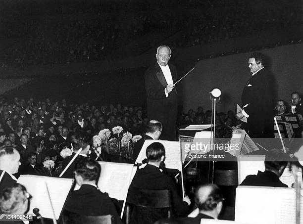 The German conductor Richard STRAUSS conducting the Berlin Philharmonic Orchestra on December 14, 1936.