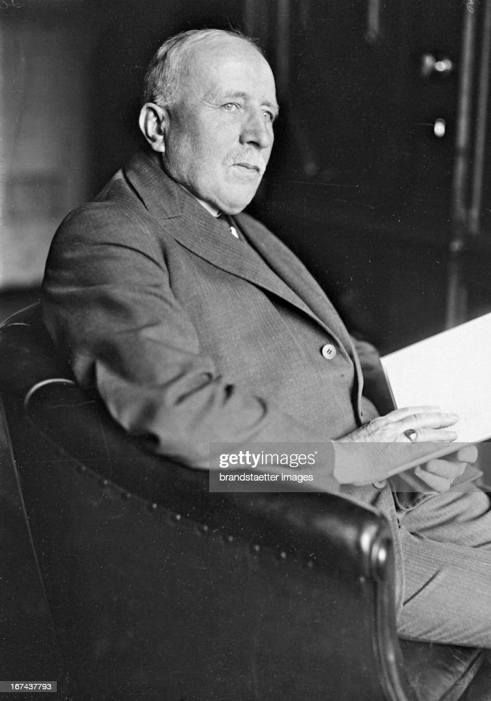 The German lawyer and politician Friedrich Schmidt-Ott (1860-1956). 1930. Photograph. (Photo by Imagno/Getty Images) Der deutsche Jurist, Politiker und Wissenschaftsorganisator Friedrich Schmidt-Ott (18601956). 1930. Photographie.