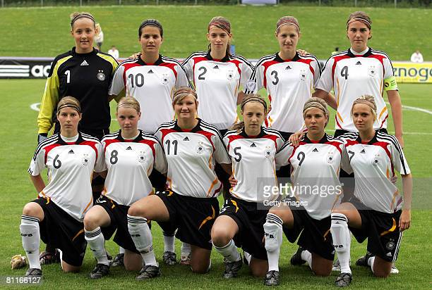The German National Team with Anna Felicitas Sarholz Dzsenifer Marozsan Claudia Bujna Inka Wesely und Valeria Kleiner front from left MarieLouise...