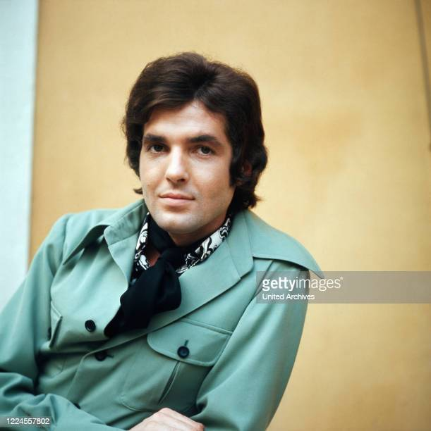 The German pop singer and actor before one of his performances at the ZDF hit parade in the 1970s, at the time of his greatest musical successes.