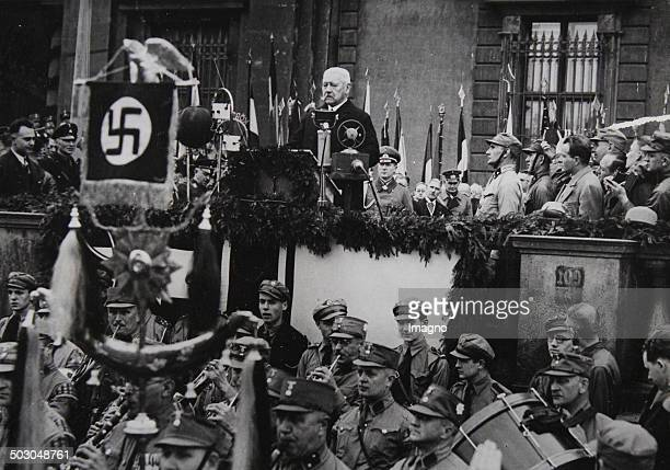 The German President Paul von Hindenburg at his speech to the German youth on the occasion of the celebrations of 1st May in Berlin's Lustgarten May...