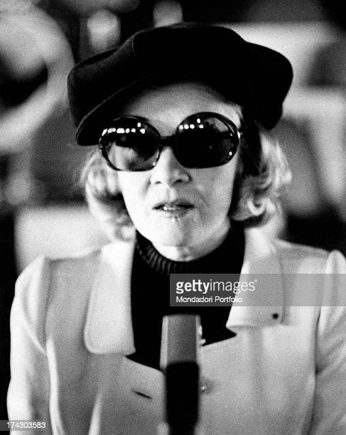 The German singer and actress Marlene Dietrich during an interview for her concert at the Bussola a fashion night club in Versilia Viareggio 1972