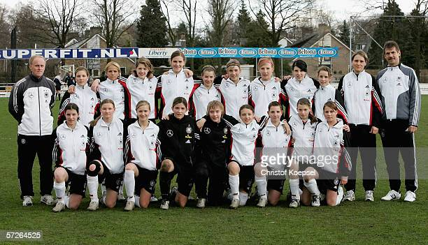 The German team starts with head coach Ralf Peter Svenja Huth Michelle Baumann Inka Wesley Valerie Kleiner MArieLouise Bagehorn Theresa Mueller Laura...